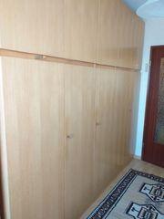 Schöner Schlafzimmer Hochschrank mit Nachttisch