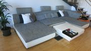 Bequeme Couch für die ganze