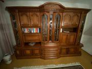 Wohnzimmer Schrank aus gutem Holz