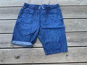 Sommer T-Shirt s und Jeans