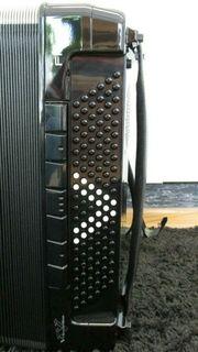 ROLAND Akkordeon V-Accordion Mod FR-8X