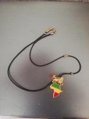 Halskette mit Afrika Design und