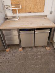 Arbeitstisch V2A mit Buchenholz-Arbeitsplatte