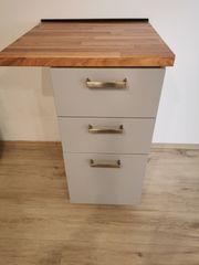 Ikea Küchen-Unterschrank mit drei Schubladen