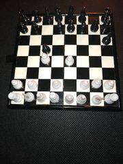 Reiseschachspiel magnetisch 13x13 cm aufgeklappt