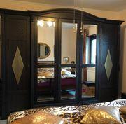 Neuwertiger Schlafzimmerschrank aus Pinienholz 5-türig