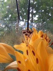 Halsketten aus Epoxidharz