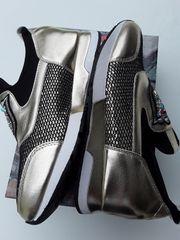GOLDENER Sneaker Gr 40 7UK