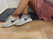 Getragene Socken Nylons Sneaker