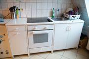 Kleine Küche mit Elektrogeräten