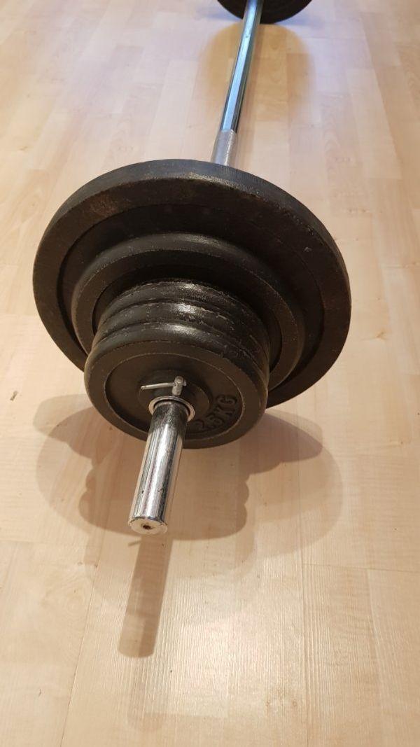 Stange mit Gewichten