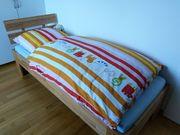 Bett Matratze und Rollrost