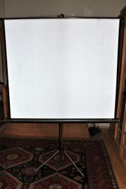 Projektionswand für Dias und Film