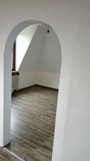 Sonnige komplett renovierte 3-Zimmer-Altbauwohnung mit