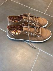 verkaufe neue Sneakers