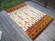 Teppich selbst-geknüpft