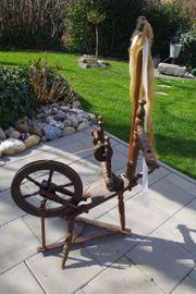 Dekoratives antikes Spinnrad