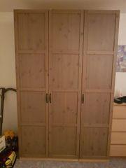 Kleiderschrank Pax mit Hemnes Türen