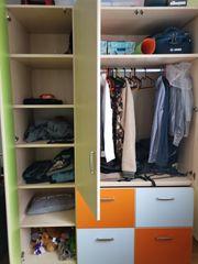 3-türiger Kleiderschrank orange grün hell