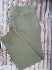Stretch-Jeans in der Trendfarbe Kaki