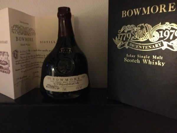 Bowmore Bicentenary Scotch Whiskey Distilled