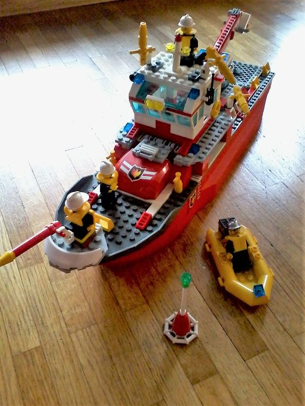 LEGO City Feuerwehrschiff zu verkaufen