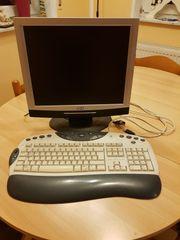 Monitor und Tastatur