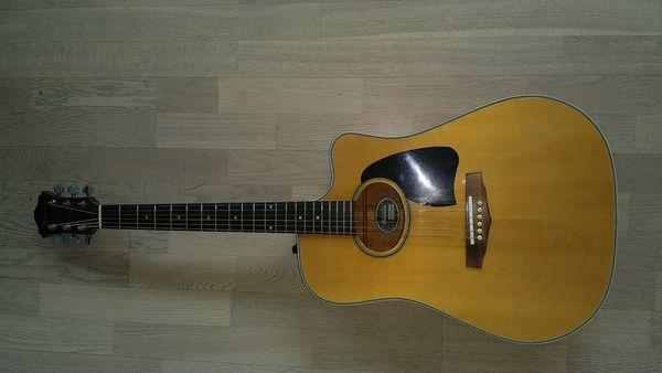 Top - Westerngitarre - Ibanez AE 300 NT mit Koffer