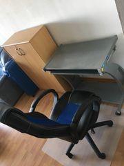Computertisch mit Stuhl
