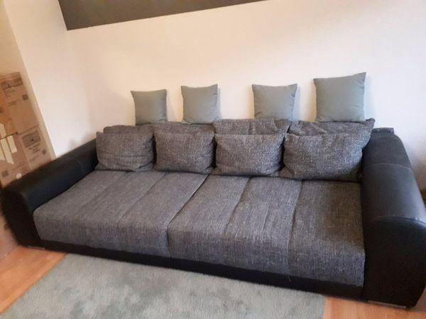 Grosses Neuwertiges Sofa Inkl 12 Kissen In Koln Polster Sessel