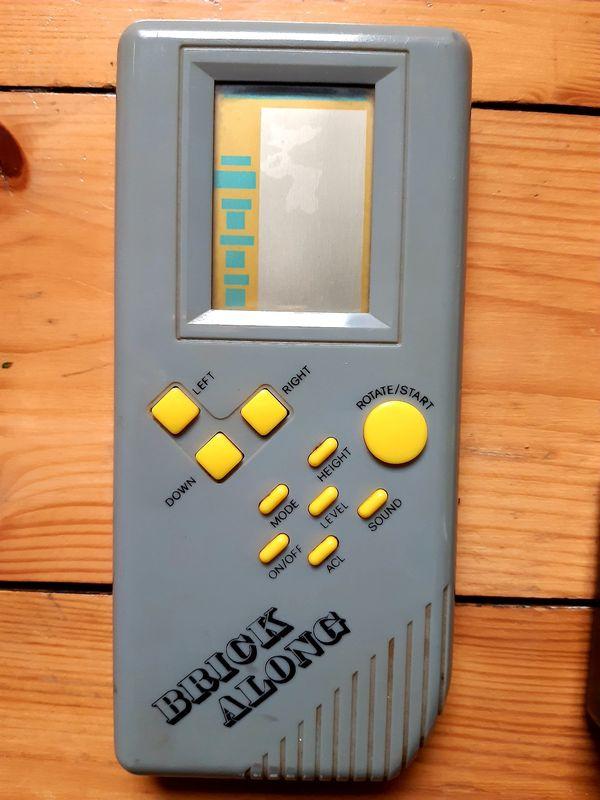 Retro Spielekonsole Game Brick Along