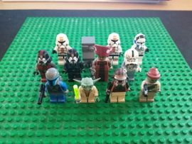Spielzeug: Lego, Playmobil - 12 Lego Star Wars Figuren