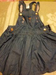 Das Mädchenkleid von C A