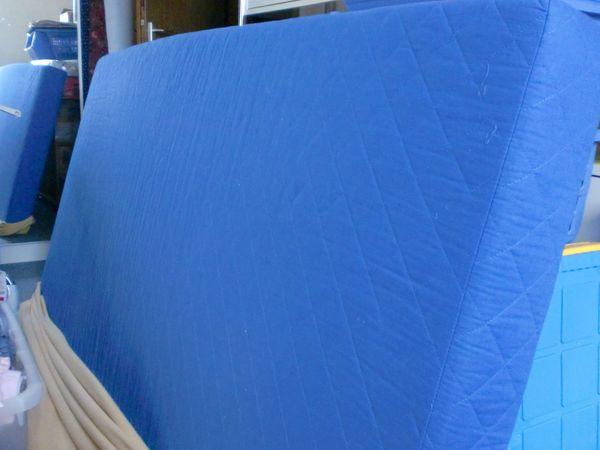 Matratze blau