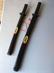 zwei Samuraischwerter Ninja Schwerter