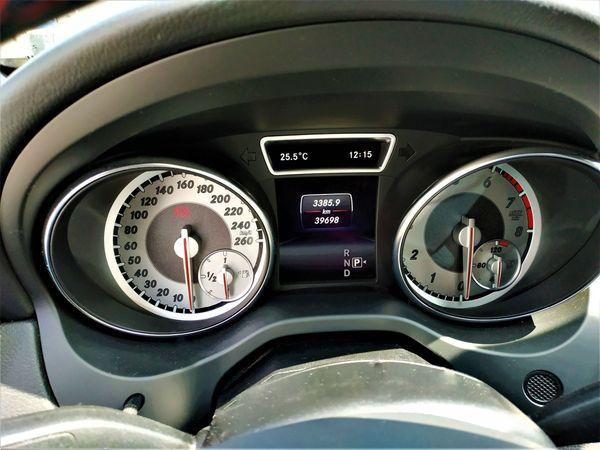 Mercedes-Benz GLA 180 7G-DCT AMG