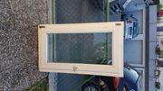 Kunststofffenster und Holzfenster