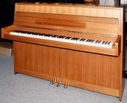 Klavier Yamaha 104 Nußbaum satiniert