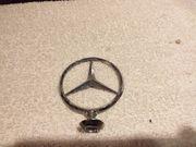 Biete alten Mercedes Benz Stern