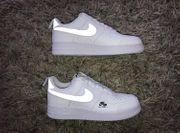 Nike Air Force leuchtend