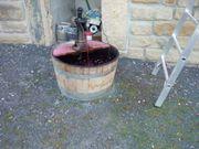 Weinfass mit 2 Pumpen als