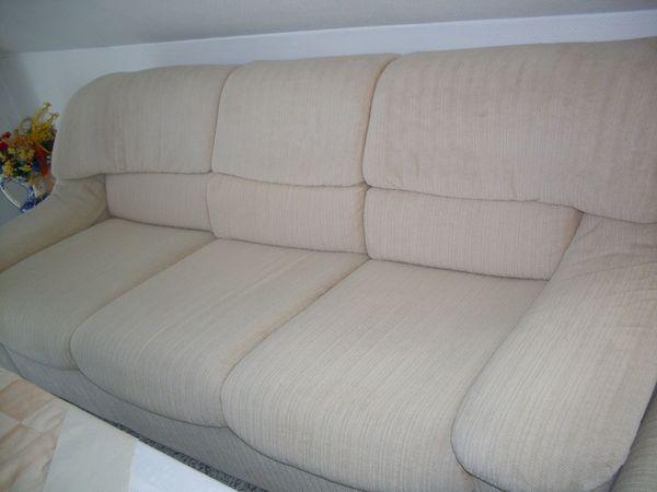 Dreisitz-Sofa Cremefarbe aus Velour 210