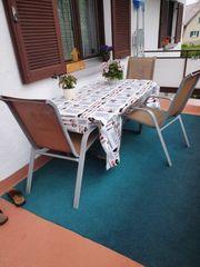 garten oder balkon tisch mit