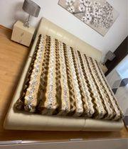 Doppelbett 180x200 mit Bettkasten