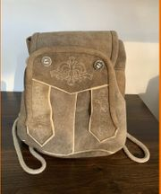 Trachten Handtasche Lederhosenform Echtleder hellbraun