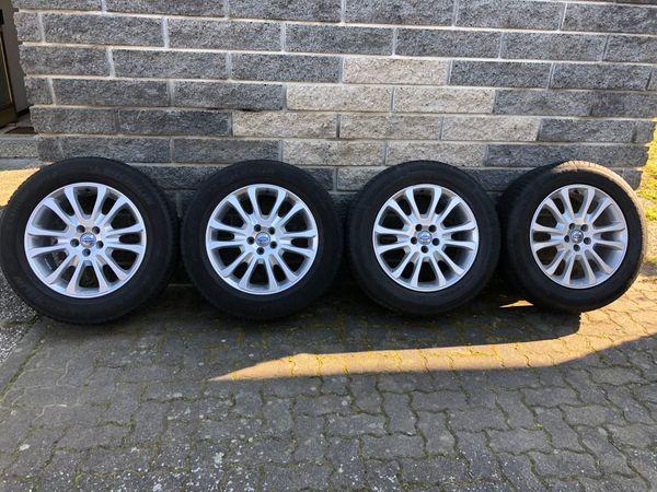 Sommer-Reifen auf Original VOLVO XC60