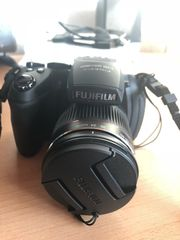 Fuji Spiegelreflexkamera Finepix HS20
