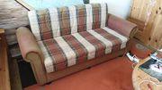 Verkaufe ein Sofa mit Bettkasten