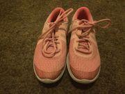 Nike Schuhe Gr 38 5