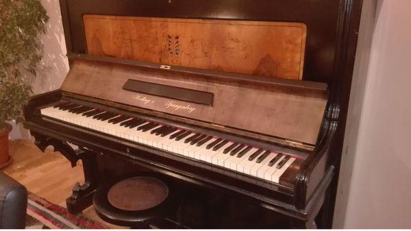 Klavier Hoelling und Spangenberg